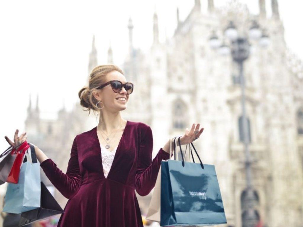 Nu cumpărați ceea ce nu vă puteți permite doar pentru a impresiona