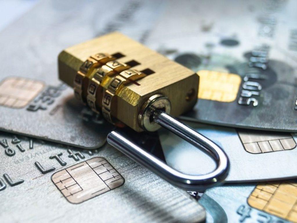 Renunță la cardurile de credit